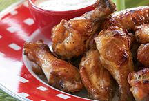 Tailgating Items and Recipes / by Edwina Dickert