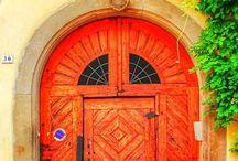 Kapı, Pencere, Sokak