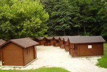 táborhelyek