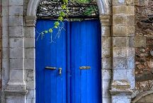 What's behind that door? / Doors from around the world