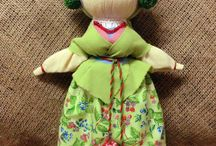 Nuket ilman ompelemista/ No sewing Dolls: yarn, straw, fabric etc.