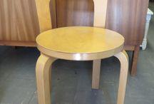 Vintage- ja design -huonekaluja / Tyylikkäitä vintage-huonekaluja, joskus myös design-esineitä.