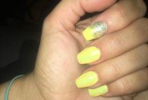 Nail gel jaune