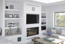 salón tv chimenea