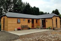 Garden studios / Garden studios can be used for a variety of purposes including extra living space, craft & art rooms, music studios, garden rooms, and gyms, etc.
