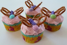 cupcakes & sweets / by Le Ann Johnson Heuring
