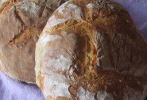 Brot und Brötchen mit Lievito Madre