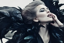 The Queen of Ravens / Her crows are calling