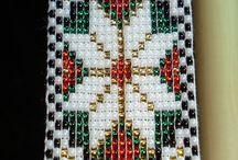 square stitch / loom