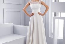Empire waist wedding dress / Explore our charming collections and find your dream wedding dress!