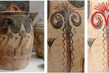 Pomul Vieţii în civilizaţia minoică şi miceniană / Asemănări importante au fost stabilite între cultura bronzului timpuriu din Tracia şi monumentele culturii critomiceniene. În temeiul unui şir de date arheologice se vorbeşte despre rolul conducător al popoarelor paleobalcanice, inclusiv al tracilor şi culturii lor în procesul de formare a culturii critomiceniene, precum şi despre dependenţa celei mai vechi culturi greceşti de cea paleobalcanică.