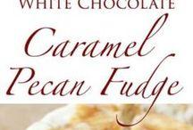 Toffee, Fudge und Karamell / Du liebst Toffee, Fudge und Karamell genauso sehr wie ich? Dann habe ich dir hier meine liebsten Rezepte für Pralinen, Riegel und Co zusammengestellt.