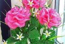 Virágok drótból