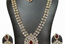 Attractive Traditional Wedding Party Wear Kundan Jewelry Set