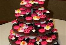 Wedding Cake/Cupcake Ideas / by Jessica Howell