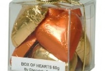 Foil Wrapped Chocolate Hearts / This range of foil wrapped #chocolatehearts is perfect for a #wedding in #Australia. Check out the full range of colours available here - http://ow.ly/Z5Ww6