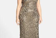 rochii marimi mai mari , pentru orientare doar, eu sunt doar points nu grasa :)