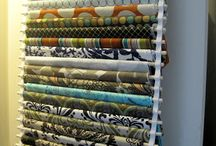 Organize sewing craft room. / Organize sewing craft room.