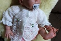 Reborn dolls / Creating a life like doll from a blank vinyl kit.