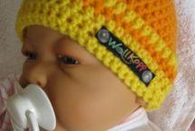 Baby & Kind / Süße #Babymützen, #Kindermützen und #Stirnbänder #gestrickt oder #gehäkelt. #Kopfbdeckungen von knallig bunt bis einfach schlicht.