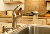 Kitchen Faucet Ideas / by DIY Home Remodel