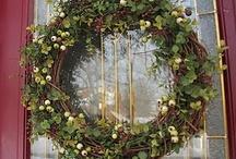 wreaths / by Be Rudloff