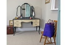 Kidney shaped dressing tables / by Sarah Telford