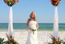 <3 / Wedding Ideas!! / by Michelle Huber