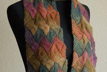 Scarfs / shawls / snoods
