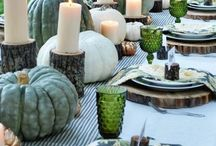 Fall Tablescapes / With Polly's Holiday Feast to go, we do all the hard work for you! Just add some festive décor to make your holiday gathering complete.