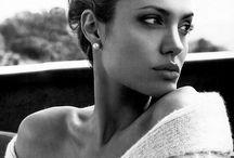 Atriz: Angelina Jolie