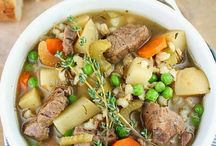 Food: Slow Cooker Meals  / by Marjorie Olesen