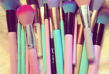 °Makeup°(mostly brushes)