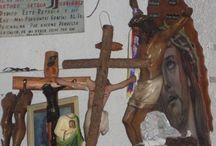Sala de Milagres do Santuário do Bom Jesus de Chalma - México / Chalma é uma pequena comunidade, que faz parte do município de Malinalco, Estado do México. A população é quase totalmente dedicada aos peregrinos, que visitam o Santuário de Chalma, o segundo local de peregrinação mais importante do México.