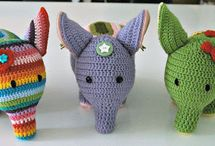 crocheting animals and little things