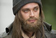 """Tom Payne / Paul """"Jesus"""" Rovia (Monroe)"""