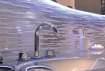 Ovaline / La Torre rubinetteria presenta Ovaline, una collezione dove in un unico segno, l'ellisse, vivono sezioni e superfici, forme geometriche dall'armonia perfetta, che diventano protagoniste della sala bagno. Un segno in grado di personalizzare l'ambiente bagno.  Ovaline, la perfetta armonia delle forme.