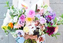 wedding decor details Summer is the perfect time for bright & colourful bouquets! Especially if they're as beautiful as this piece by @wildnorthflowers
