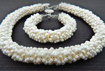 Wedding / wedding jewelry