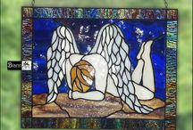 Angel Stained Glass Witraże Anioły / Witraże Tiffany Anioły.  #angel #stainedglass #witraż #tiffany