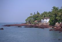 Goa / Goa is a state located in the south west region of India, it is bounded by the state of Maharashtra to the north, and by Karnataka to the east and south, while the Arabian Sea forms its western coast.