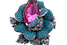Brooches / Accessories your outerwaer this season simple by addding a sparkle perfect brooch.