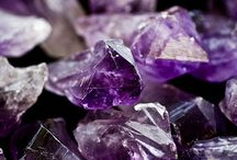 colour ● purple
