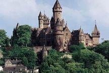 Schloss und Burgs
