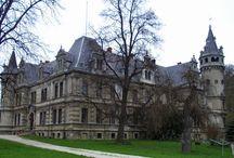 Rysiowice - Pałac / Pałac w Rysiowicach wybudowany około 1881 roku w stylu neorenesansu niemieckiego przez Konstancję Różę von Ingenheim. Obecnie jest własnością prywatną - po uzgodnieniu telefonicznym możliwe zwiedzanie.