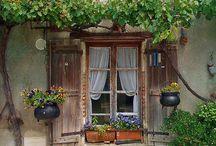 Двери домов