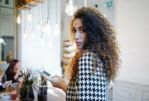 LUMIÈRE INTELLIGENTE / Lumière connectée via une application ou système Bluetooth, luminaires à capteurs de mouvements, lampes sensitive, fonctionnalités innovantes (couleurs changeantes, température de couleur personnalisable, programmation, détection à distance, enceinte intégrée) ... toutes les dernières technologies associées à la lumière pour toujours plus de bien-être et confort lumineux.