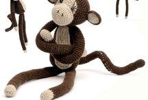 Crochet monkey curtain pattern