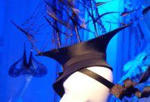 Выставка Филиппа Трейси / Дом Черткова играет шляпками Трейси в сказки Гофмана!