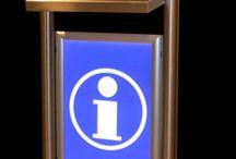 EasyKiosk informatiezuilen / computerzuilen / mediazuilen / EasyKiosk informatiezuil / computerzuil / infozuil / mediazuil voor gebruik in een winkel, winkelcentrum, bezoekerscentrum, ontvangstruimte, magazijn, beurs, evenement.